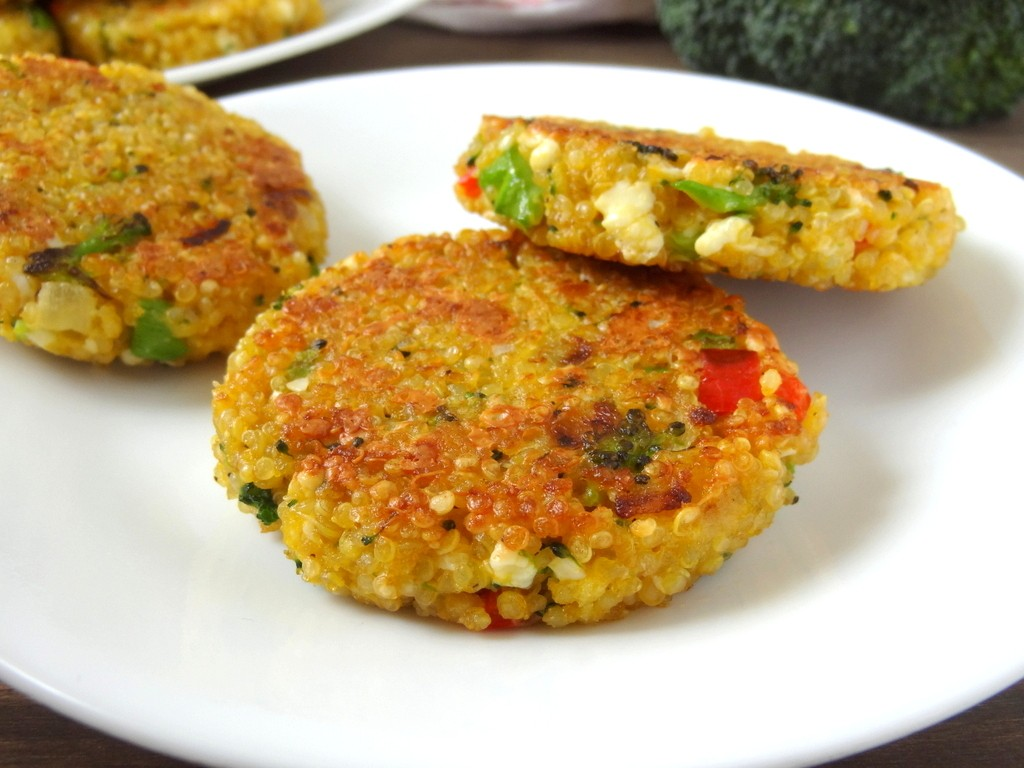 broccoli cheese quinoa patties