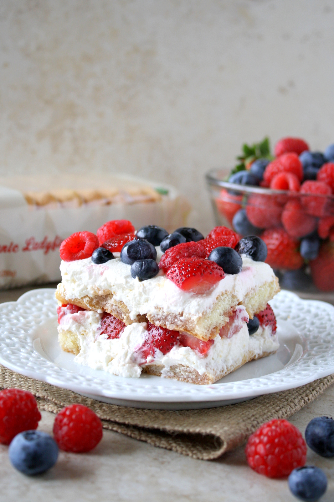 mixed berry tiramisu