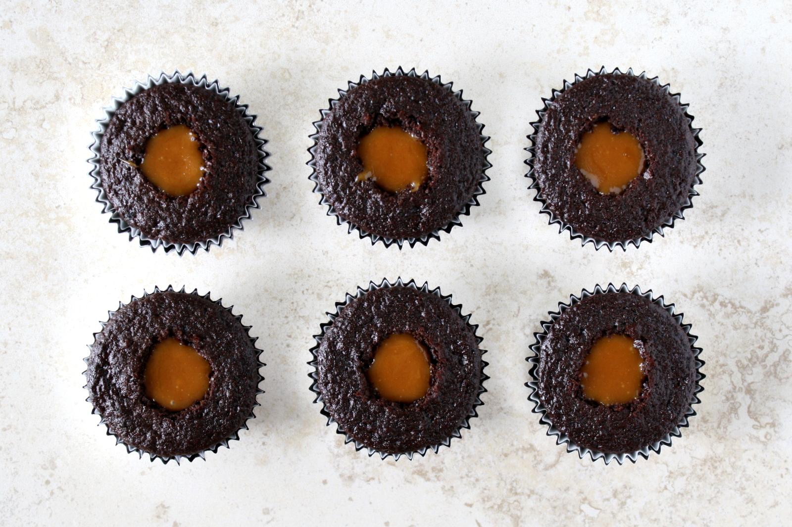 coffee toffee caramel cupcakes (aka Bonnaroo Buzz cupcakes)
